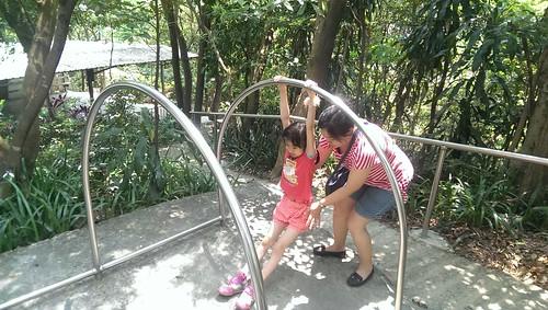 荳荳&姑姑@中和興南路二段登山步道
