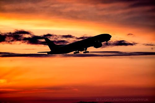 avgeek airliner aeroplane airplane aircraft aviation boeing boeing777 b777 777200 jet jetliner japan narita nrt rjaa n793ua unitedairlines tokyo planespotting plane