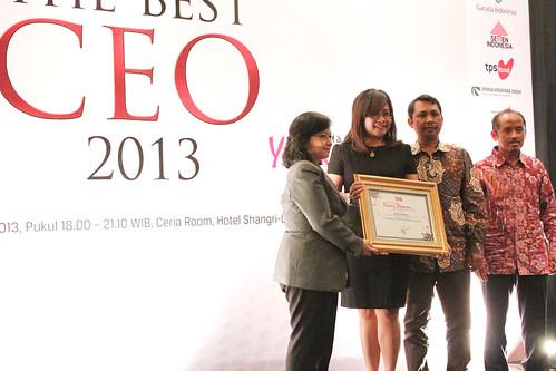Indonesia Young Women Future Leader 2013: Indriati Lukitasari.