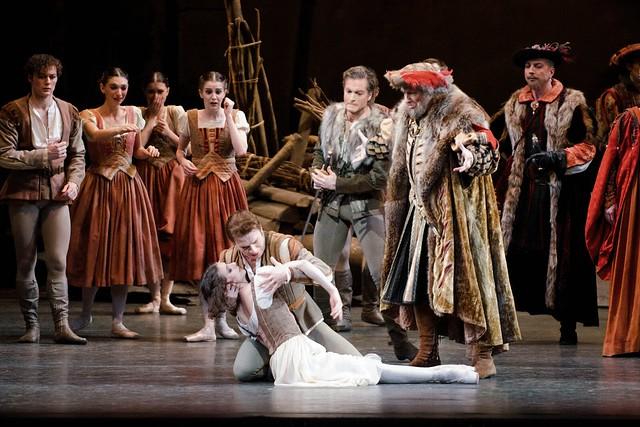 Alina Cojocaru and Johan Kobborg in Giselle © ROH/Tristram Kenton