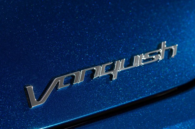 Aston-Martin-Vanquish-Volante-2013-14