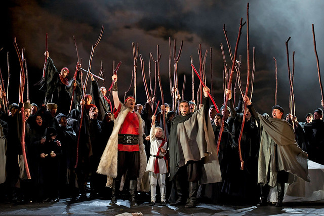 Steven Ebel as Malcolm and Dimitri Pittas as Macduff in Macbeth © ROH / Clive Barda 2011