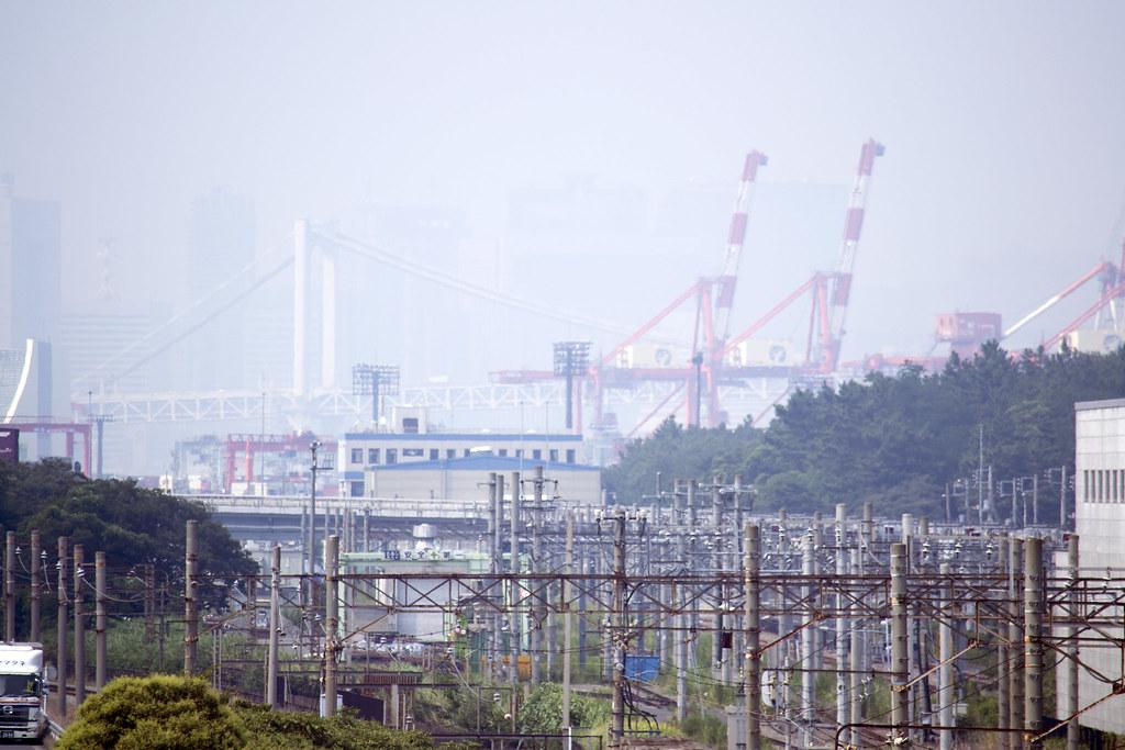工場用線路と大井埠頭、レインボーブリッジ