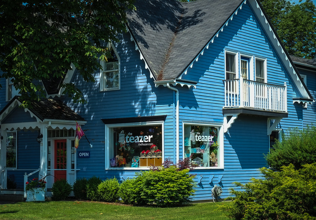Teazer Gift Shop Mahone Bay_.jpg