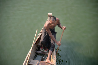 Man in a boat - Taungthaman Lake - Amarapura