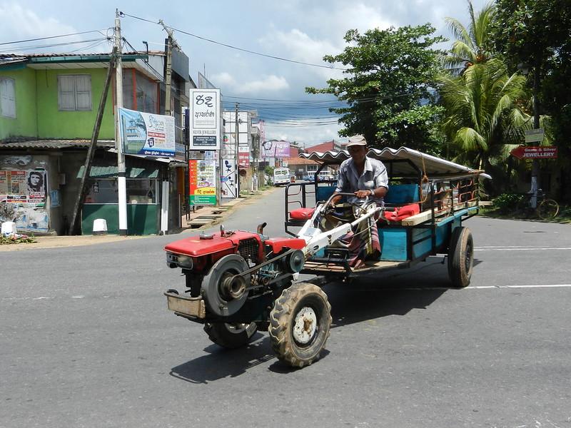 Шри Ланка, местный транспорт