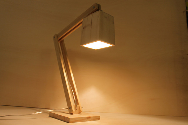 Lampada da tavolo in legno mod.CHICAGO  Flickr - Photo Sharing!