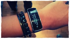 Galaxy Gear Fit mengukur detak jantung.