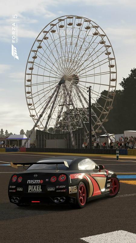 Forza 5 GTR back