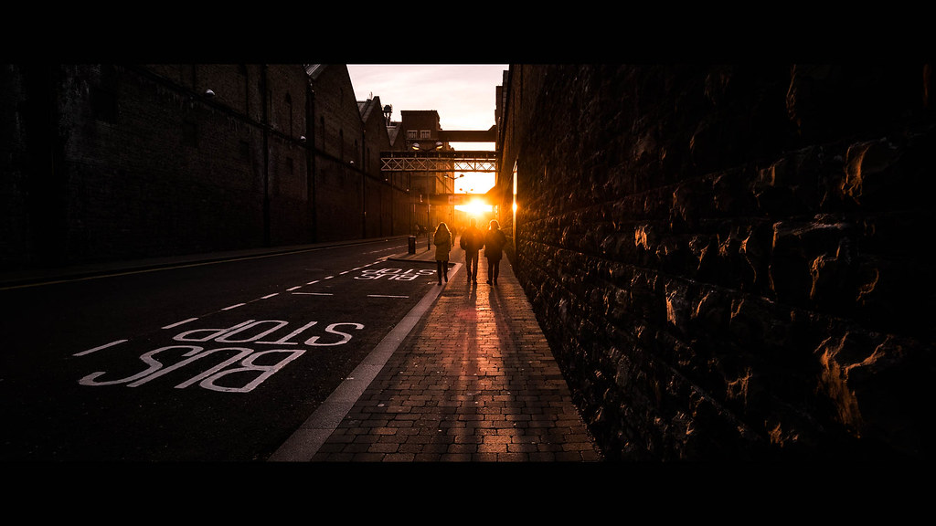 Sunset in Bellevue - Dublin, Ireland - Color street photography