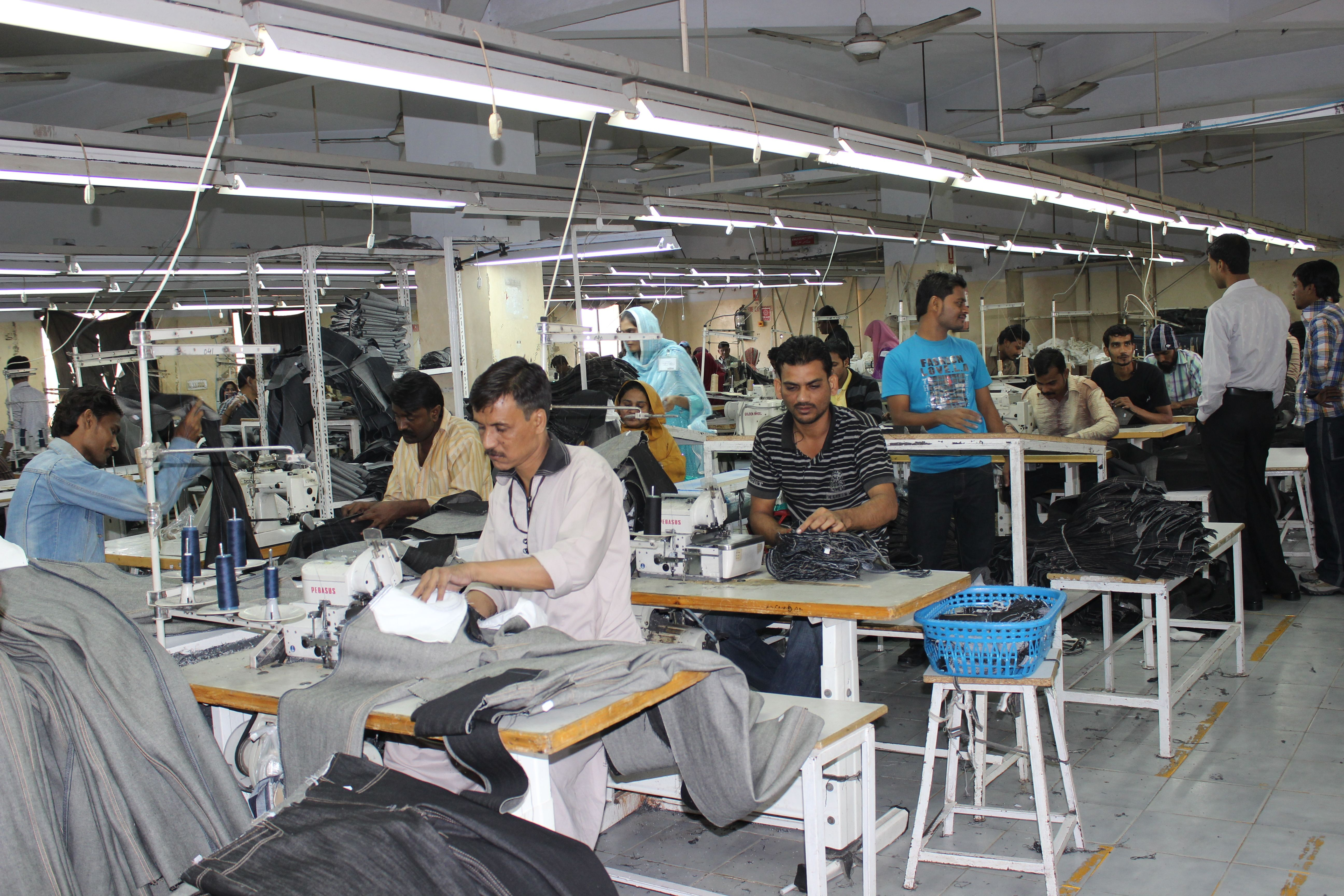 pakistan textile industry Attempt has been made to investigate the challenges faced by the textile industry  of pakistan a specific objective is to find out main reasons.