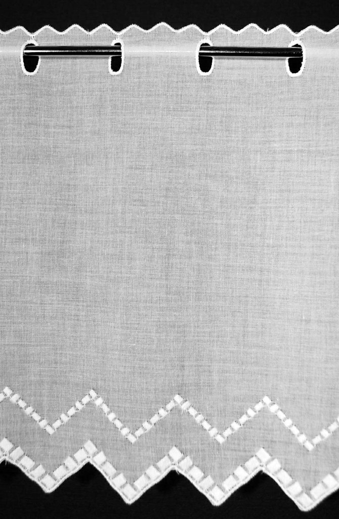 scheibengardine gewebte quadrate 27x21 wei gardine nach. Black Bedroom Furniture Sets. Home Design Ideas
