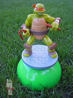 IMPERIAL TOY LLC. :: Nickelodeon TEENAGE MUTANT NINJA TURTLES :: SPRINKLER ix (( 2013 ))
