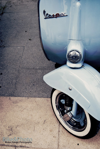 Vespa BlueCream by Moises Rangel