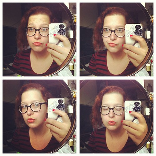 Не могу не кривляться, когда надеваю очки. #lookoftheday #lookbook #fotd #glasses