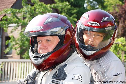 Probiker KX 5 während der Fahrt