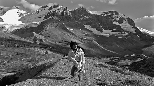 Silent Shout -Butoh improvisation in front of Athabasca Glacier- (Jasper National Park. Gustavo Thomas © 2013)