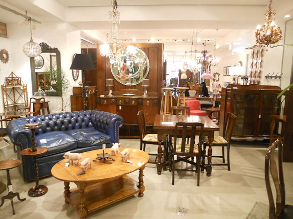 Lloyd's Antiques Tamagawa/ロイズ・アンティークス玉川