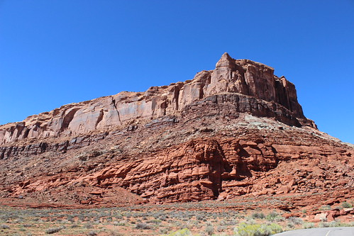 IMG_2348_Driving_Into_Island_in_The_Sky_District_of_Canyonlands_NP