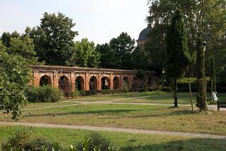 Ancien cloitre des Chartreux の画像. france brick brique toulouse villerose