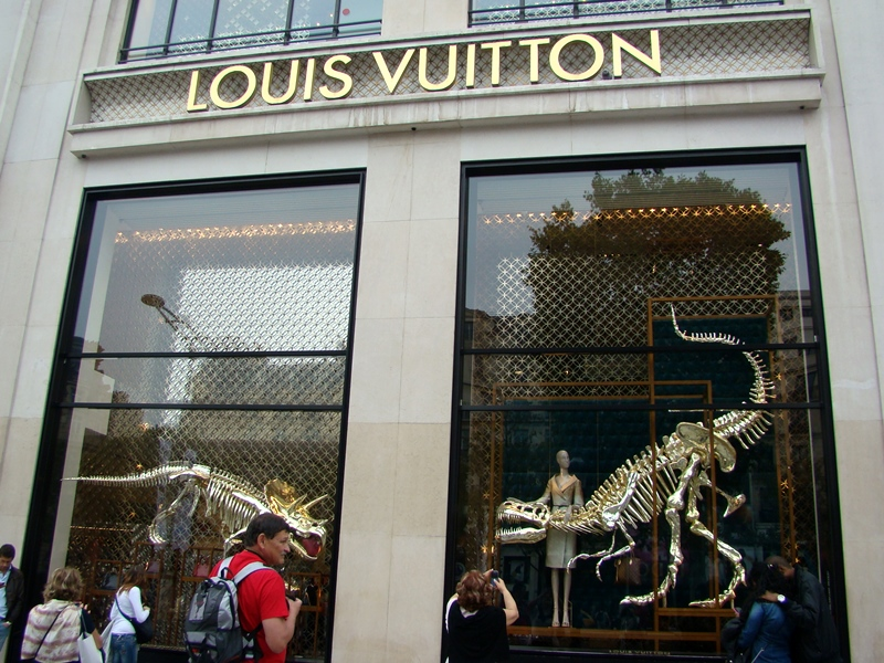 Louis Vuitton dinosaurs