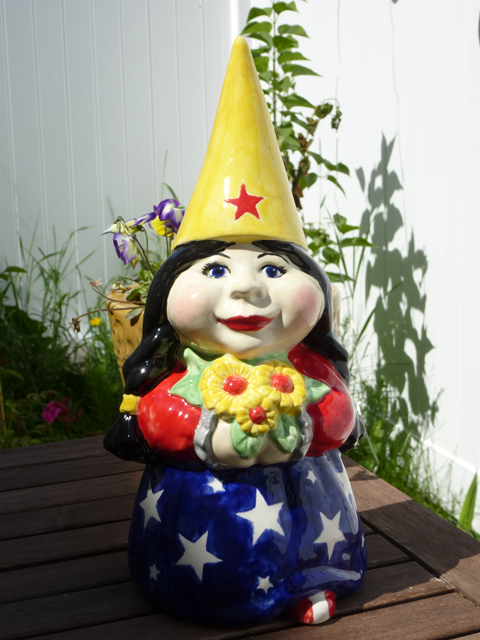 Female Garden Gnomes: The Wonder Woman Garden Gnome