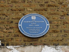 Photo of Norman Wisdom blue plaque