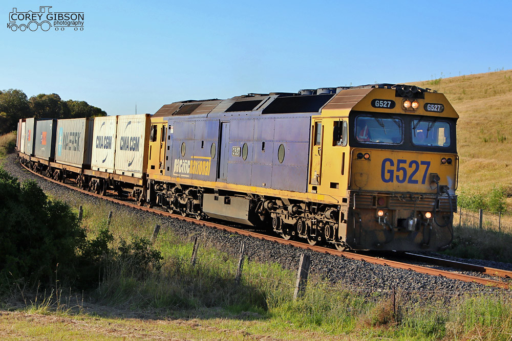 G527 with the 9204 up Warrnambool Freight by Corey Gibson