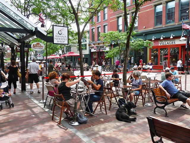 Burlington, VT (by: Bob Gaffney, creative commons)