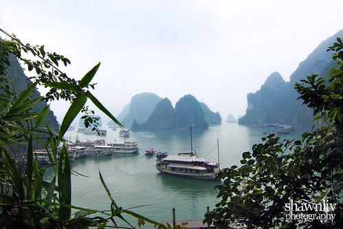 Ha Long Ba View from Sung Sôt Surprise Cave
