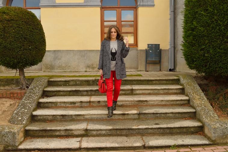 lara-vazquez-madlula-style-blog-fashion-winter-oversized-coat-biker-trousers