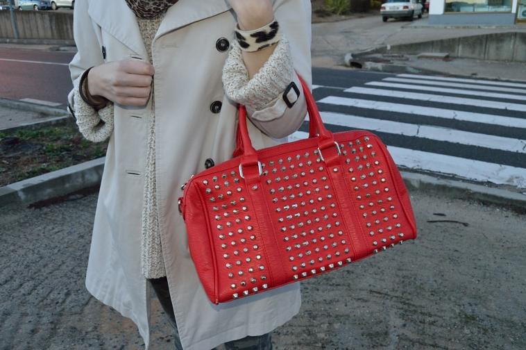 lara-vazquez-madlula-blog-red-bag-trench-details