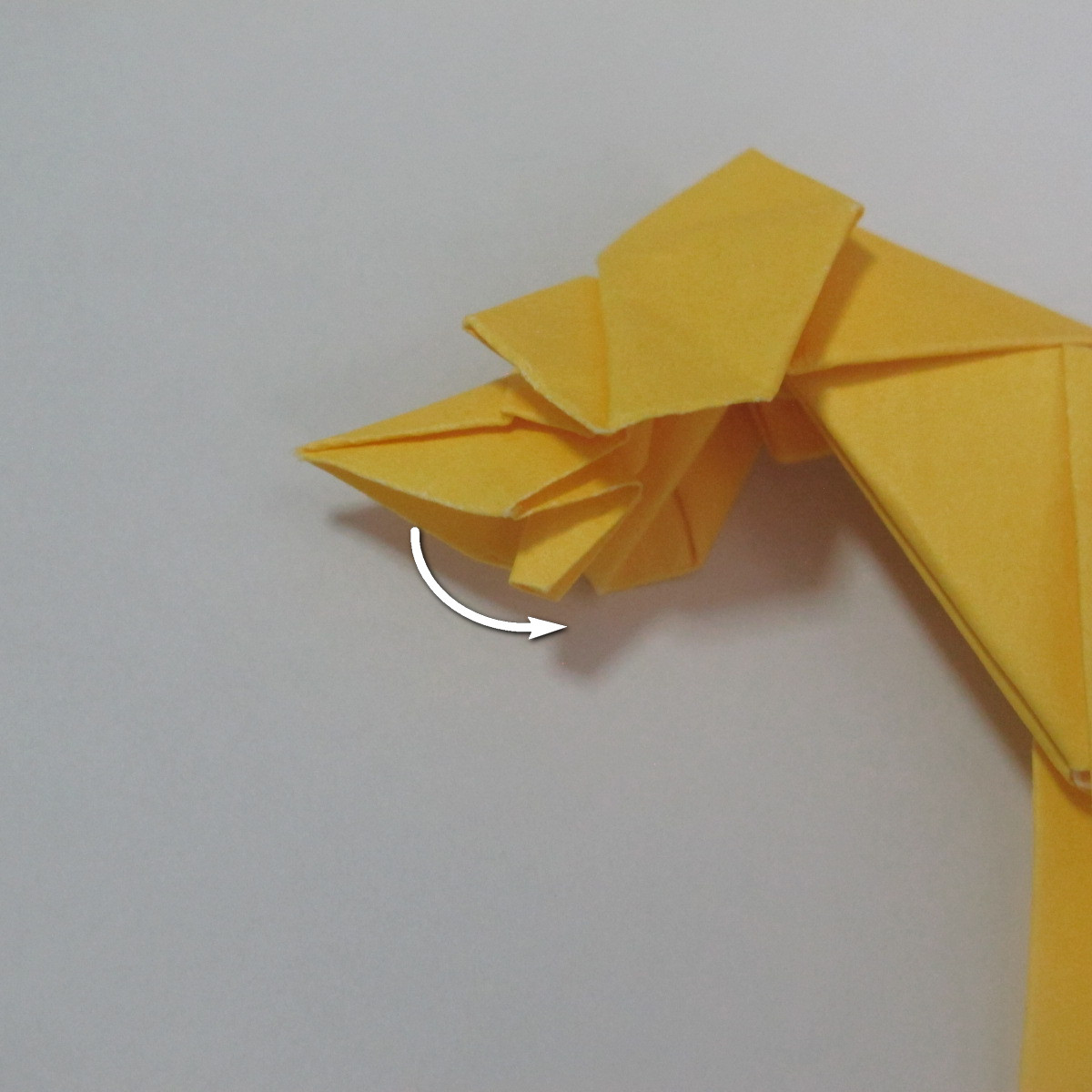 สอนวิธีพับกระดาษเป็นรูปลูกสุนัขยืนสองขา แบบของพอล ฟราสโก้ (Down Boy Dog Origami) 102