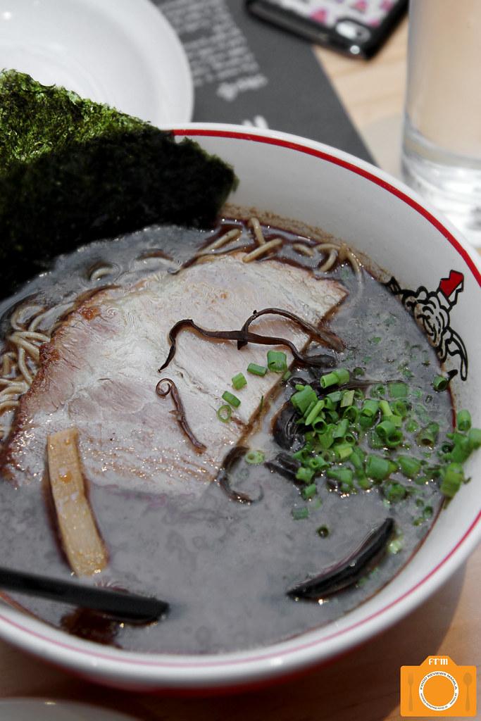 Ikkoryu Fukuoka Ramen Black Garlic Tonkotsu Ramen