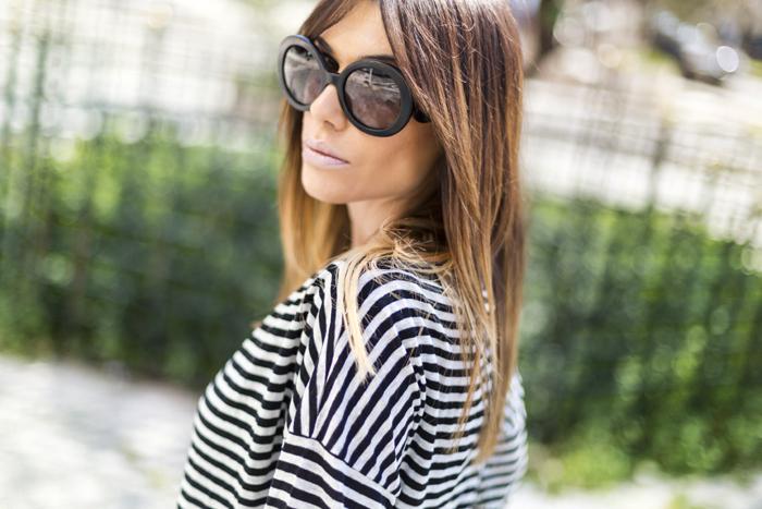 street style barbara crespo peg trousers front row shop yellow cyprea.es clutch fashion blogger blog de moda outfit