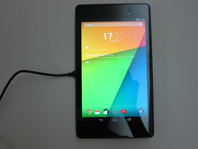 Anker Ultra-Slim Qi-Enabled Wireless Charging Pad - Charging Nexus 7