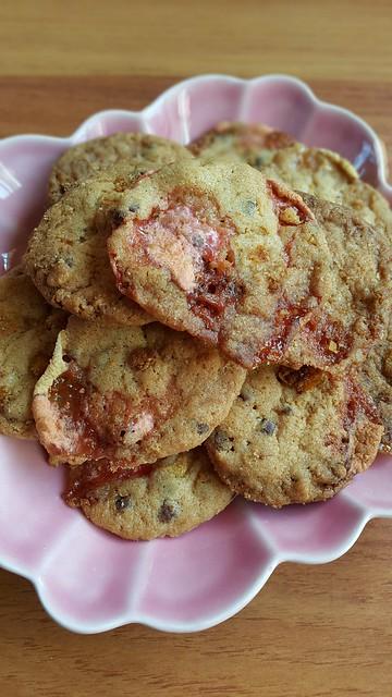 Momofuku cornflake crumb chocolate chips marshmallow cookie
