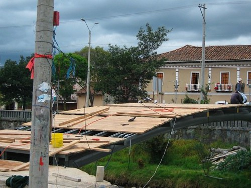 The Making of a Bridge & Park in Ecuador