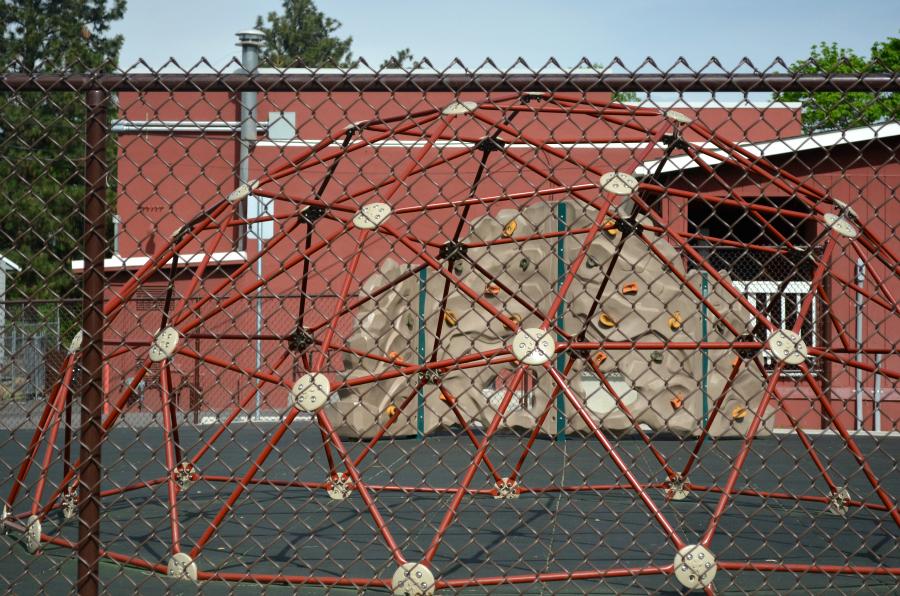 DSC_0518_climbing_equip_school_playground
