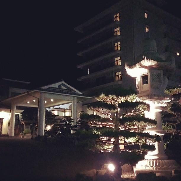 Photo:ホテルのホタルバスで行った場所はすぐに判ったし、対岸のホテルの群れに近づけそうな道もあったので自分で行くか!と思ったが、ビール呑んでたわ…ホテルから出たとこで引き返し。 By double-h_by_phone