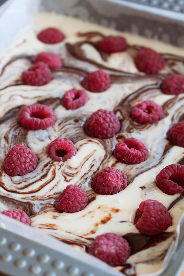 Cheesecake raspberry brownies