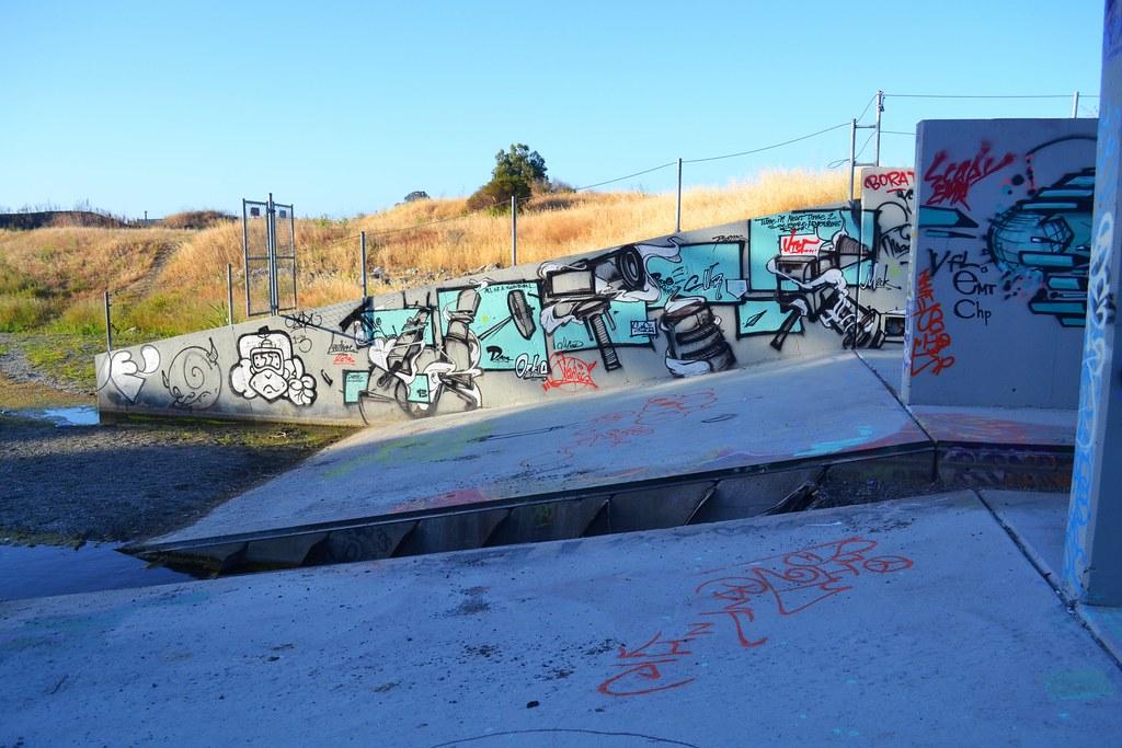 UTER, CHARLES, Graffiti, the yard, east bay,