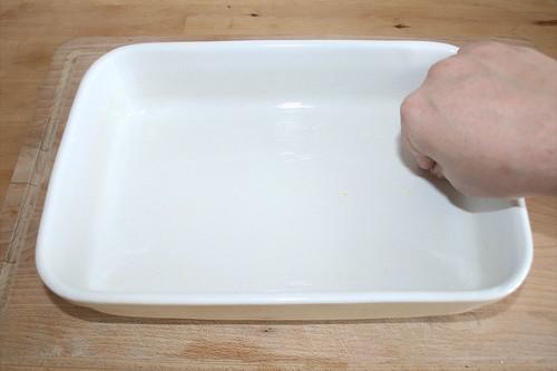 38 - Auflaufform ausfetten / Grease casserole