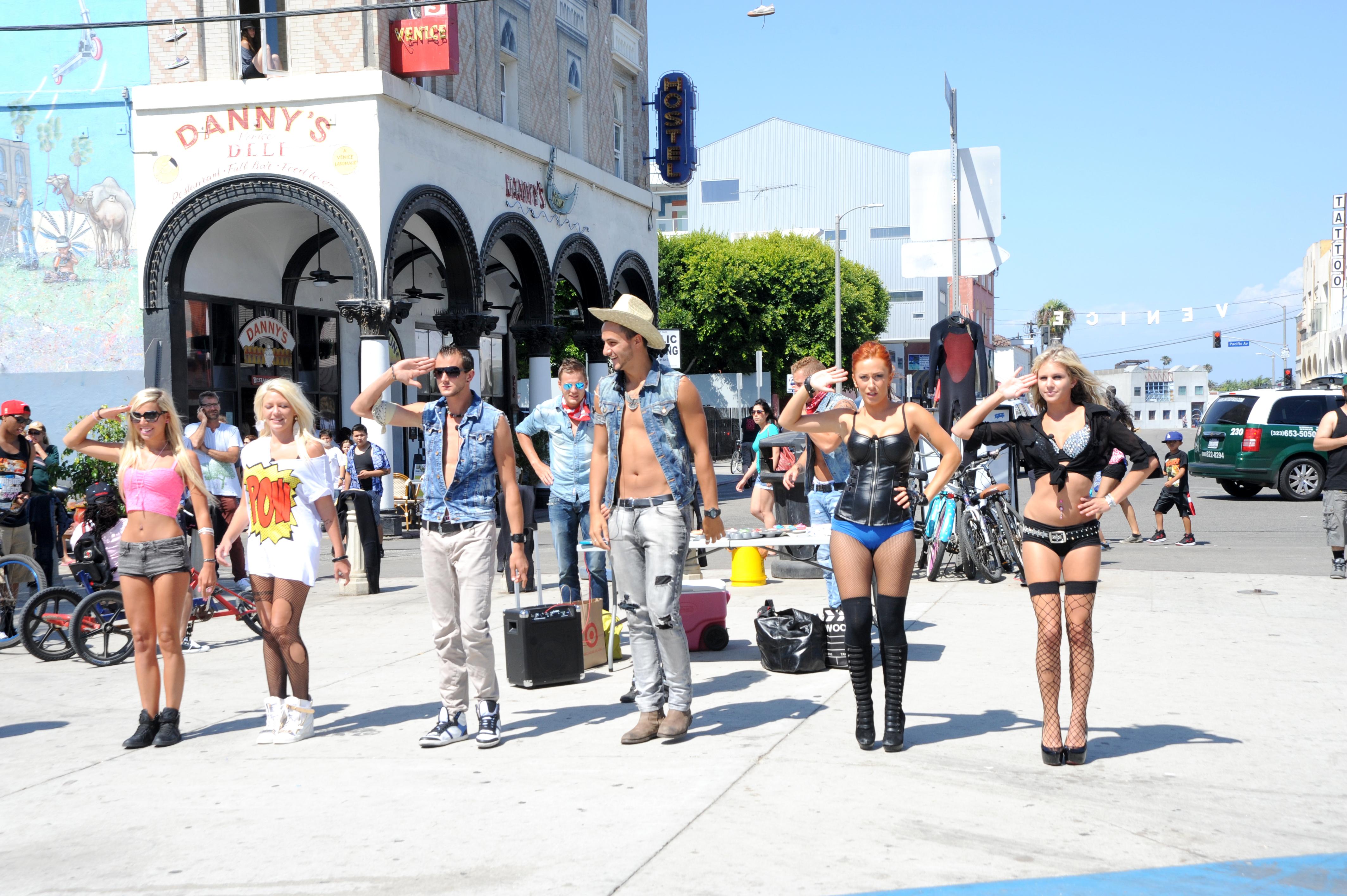 Les Ch Tis Visit Venice Beach Yo Venice
