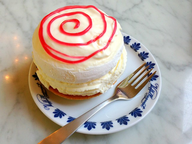 Tivoli Cake