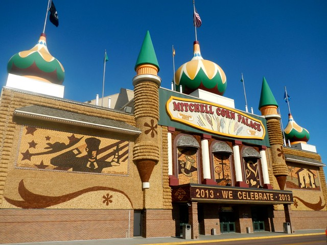 Mitchell Corn Palace by CC user punktoad on Flickr