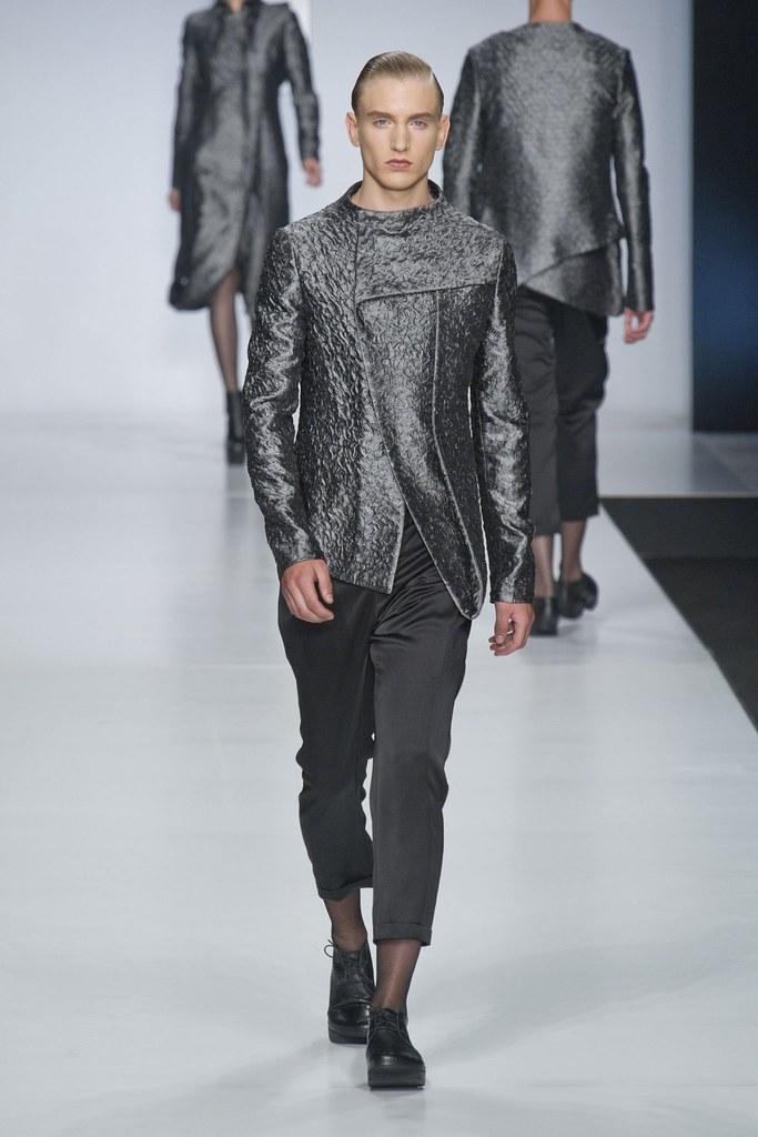 Jeroen Smits3029_SS14 Milan Ji Wenbo(fashionising.com)