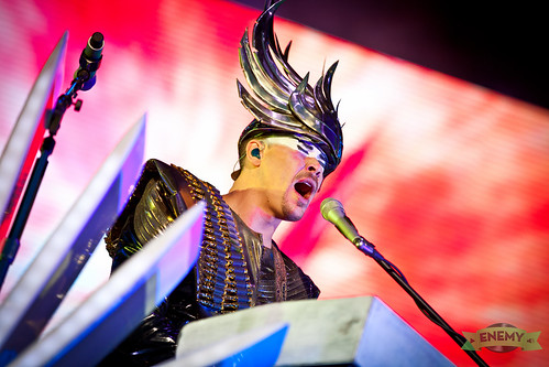 Empire Of The Sun am Frequency