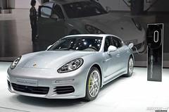 automobile, automotive exterior, executive car, family car, wheel, vehicle, performance car, automotive design, porsche, porsche panamera, bumper, land vehicle, luxury vehicle,