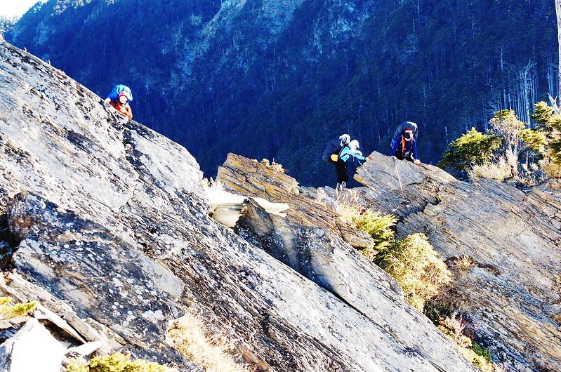 攀越無明斷崖 4